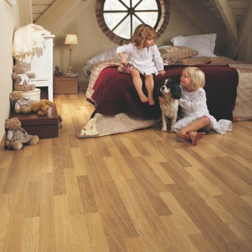 CL998_Roble_natural_barnizado,_3_liStones_Quick_Step_Classic_Ambiente