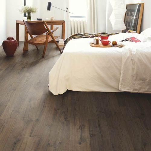 IM1849_Roble_clásico_marrón_Quick_Step_Impressive_Ultra_Ambiente