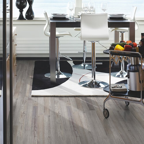 L0301-01786_Roble_Gris_Classic_Plank_Tarima_Pergo_Ambiente