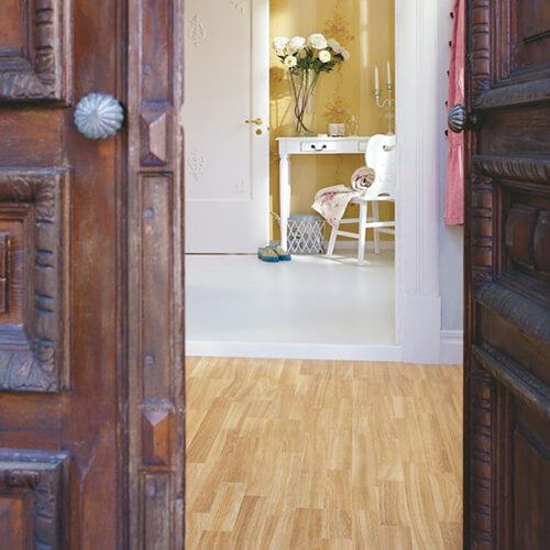L0301-01789_Roble_Elegante_Classic_Plank_Tarima_Pergo_Ambiente