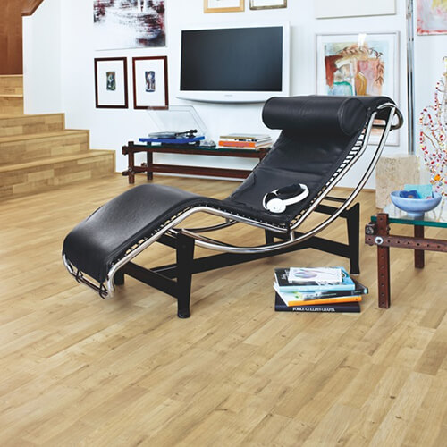 L0301-01790_Roble_Intenso_Classic_Plank_Tarima_Pergo_Ambiente
