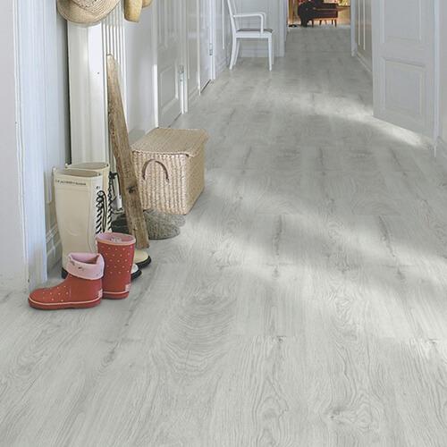 L0301-01807_Roble_Plateado_Classic_Plank_Tarima_Pergo_Ambiente