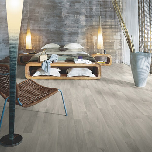 L0301-03363_Roble_Nórdico_Gris_Classic_Plank_Tarima_Pergo_Ambiente