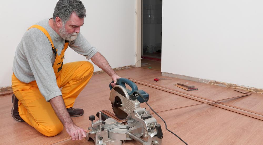 mejores-herramientas-suelo-laminado
