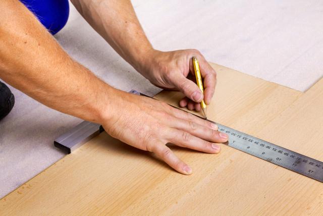 eleccion-herramientas-para-colocar-suelo