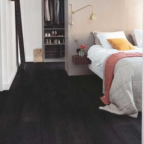suelo-laminado-negro
